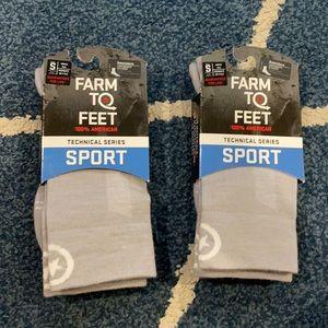 NWT Farm to Feet Sport Socks size Small